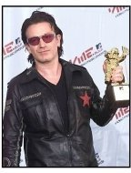 2001 MTV Video Music Awards: Bono in press room