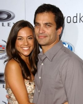 Jana Kramer and Johnathon Schaech