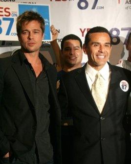Brad Pitt and Mayor Antonio Villaraigosa