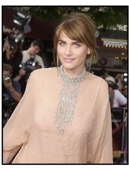 "Amanda Peet at the ""Seabiscuit"" premiere"