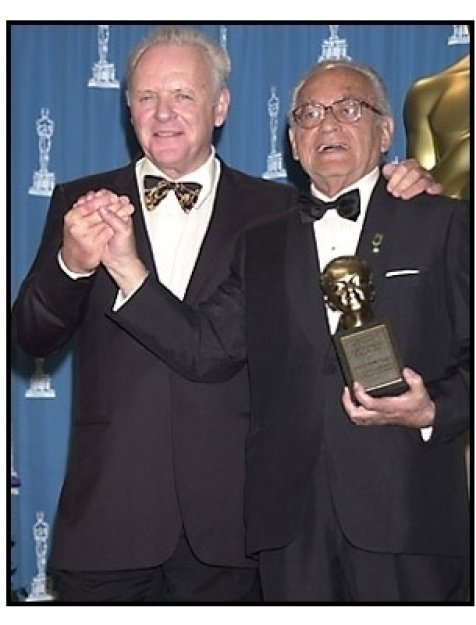 Dino De Laurentiis and Anthony Hopkins backstage at the 2001 Academy Awards