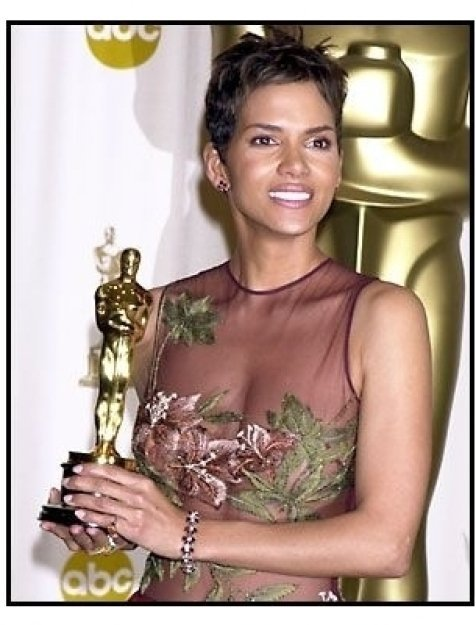 Halle Berry backstage at the 2002 Academy Awards